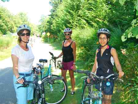 If anyone looks good in bicycle helmets it's these three ladies: Lee, Annie, and Andrea (L to R)