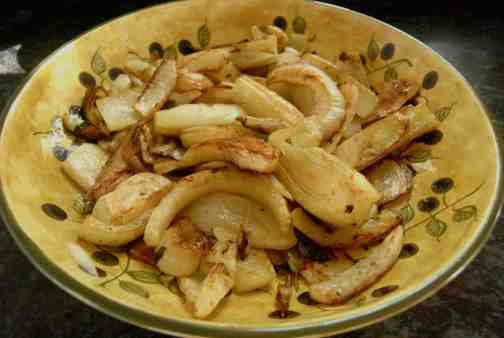 Fennel ala Sandy. My friend, Sandy Peccerillo, taught me this recipe.  Slice fennel bulbs about a half-inch wide. Heat olive oil in a pan and sautee the fennel until it nicely browned and tender. Toss with salt and pepper and serve warm or room temp.  !Que sabroso!