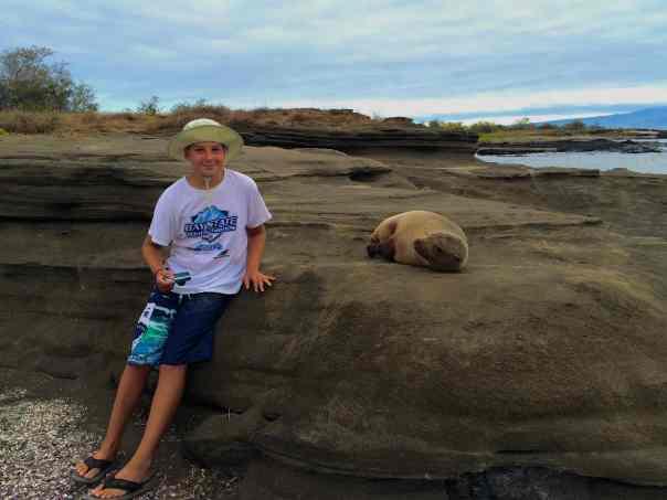 6 Wednesday Santiago Puerto Egas Jason and sea lion