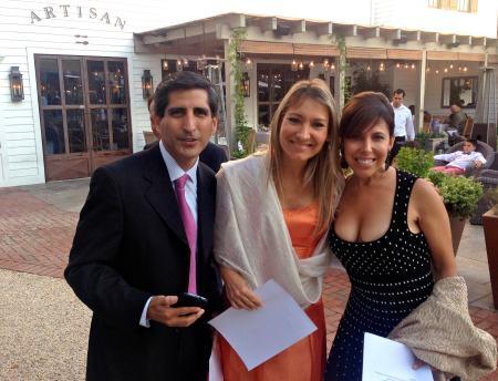 Durante la recepcion. David, el hermano de German, con Janina y Kiki.