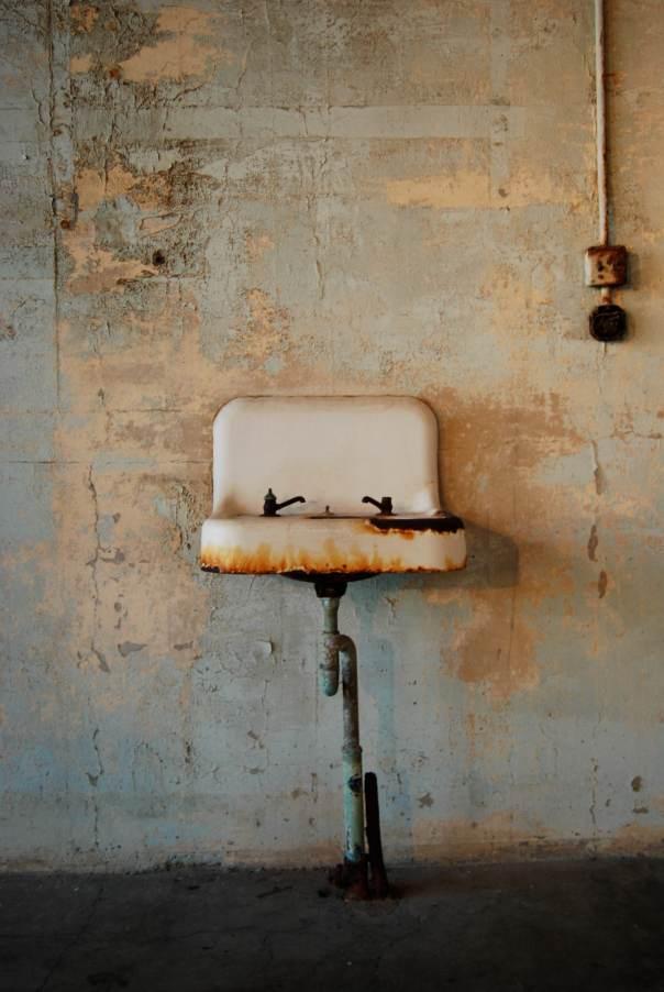 Prison sink
